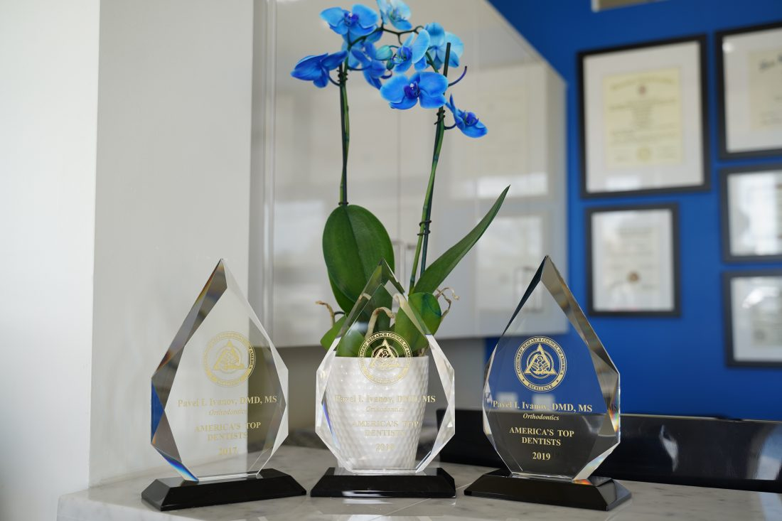 picture-awards-one of the best-orthodontist